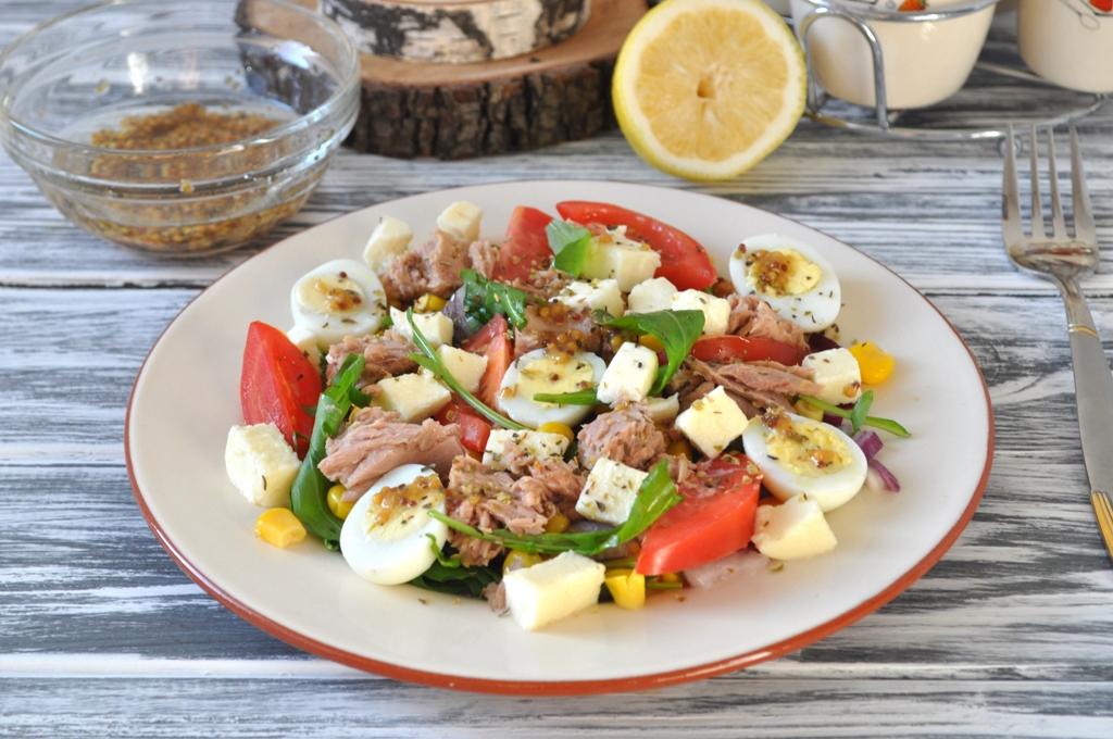 salat-s-tuncom-i-kykyryzoi