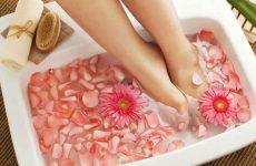 Ванночки для ног – правила выполнения, рецепты