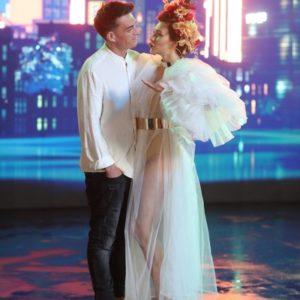 А как же Влад? Страстный поцелуй Регины Тодоренко в новом клипе