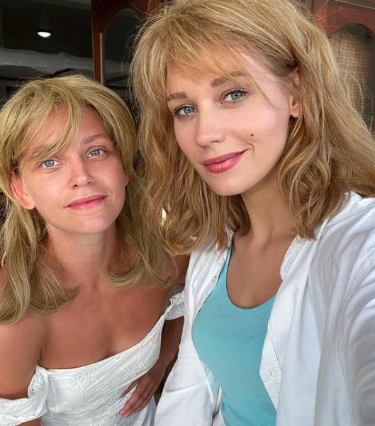 Кристина Асмус с сестрой Кариной