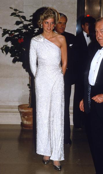 Это платье королевская семья посчитала чрезвычайно провокационным