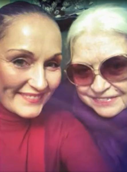 Сегодня Ольга Васильевна ухаживает за мамой, с которой у нее сложились непростые отношения