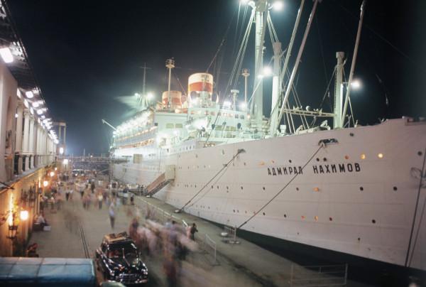 Лайнер «Адмирал Нахимов» с небольшими перерывами эксплуатировался 61 год