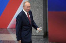 Синхронистка, поцеловавшая Владимира Путина в 2012 году: «У него очень нежная кожа!»