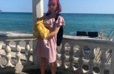 15-летнюю Дашу Суднишникову, беременную вторым ребенком, избили. Она решилась на аборт