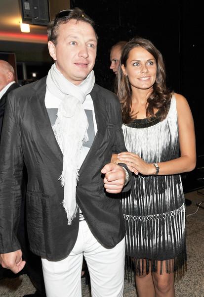 Анна Созонова рассказывала, что познакомилась с Башаровым в фитнес-клубе, а вскоре актер позвал ее на спектакль и начал красиво ухаживать