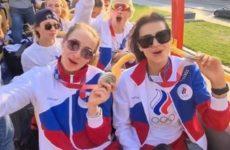 Икра на борту, оркестр у трапа и парад на Красной площади: в Москве встречают олимпийцев