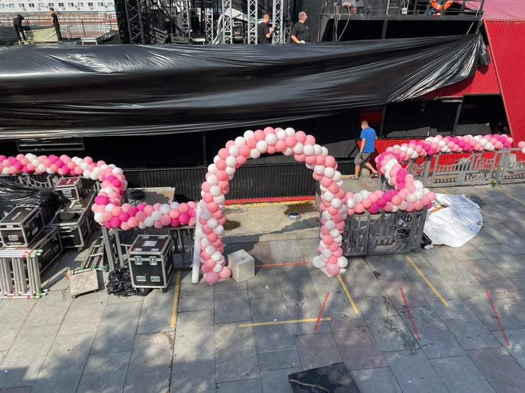 Арка из шаров — непременный атрибут свадьбы