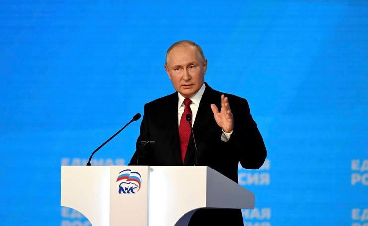 Каждое выступление Владимира Путина комик берет на вооружение
