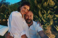 Беременная и счастливая жена Халита Эргенча отметила 39-летие в компании друзей