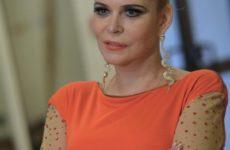 Алена Яковлева: «Второй муж просто исчез. Уехал во Францию и там сошел с ума»