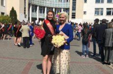 Поздравление от Иды Галич, торт в виде лебедя и казино. Дочери Василисы Володиной исполнилось 20