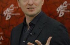 Сергей Безруков оправдался за наезд на Ольгу Бузову