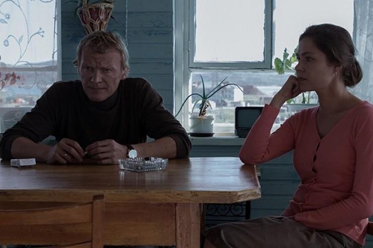 В «Левиафане» героиня Елены Лядовой изменяет супругу, роль которого исполнил Алексей Серебряков