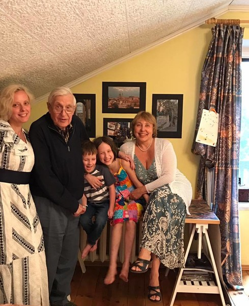 Дочь Ксюша подарила Басилашвили внуков Маринику и Тимофея