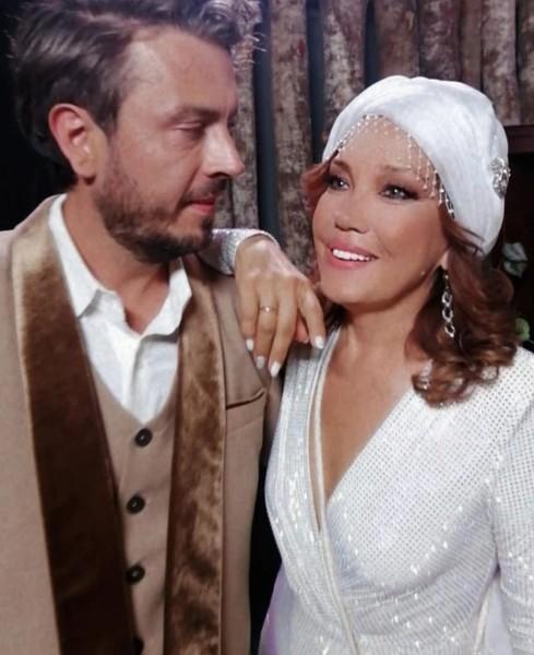До брака с Александро певица не была замужем