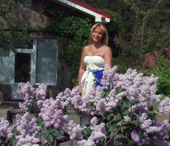Проклова признается, что любит заниматься садово-огородными делами