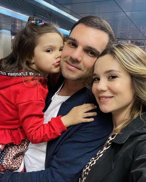В начале месяца дочь Артема Алексеев и Галины Безрук перенесла серьезную операцию