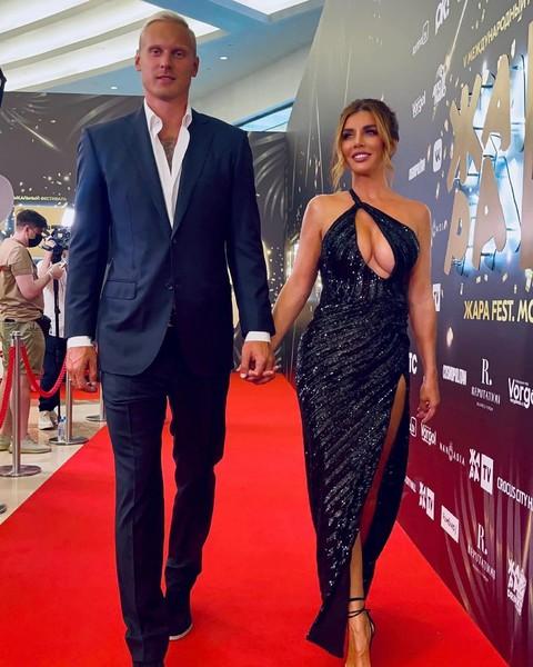 Супруг Анны, баскетболист Янис Тимма, полностью доверяет возлюбленной