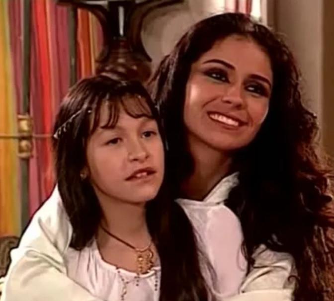 Карла Диас сыграла в «Клоне» дочь главной героини Жади