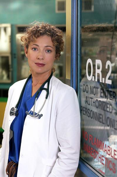 В пятом сезоне Элизабет влюбляется в Марка Грина