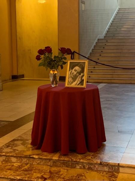 Прощание с артисткой проходит в театре «Ромэн»