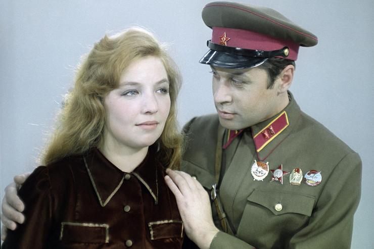 В фильме «…А Зори здесь тихие» актрисе досталась роль главной красавицы Женечки