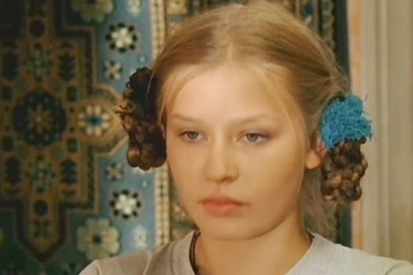 В студенчестве Юлия Пересильд начала играть в сериалах