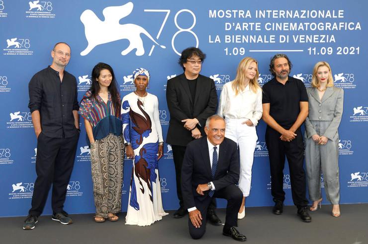 Состав жюри традиционно оказался интернациональным