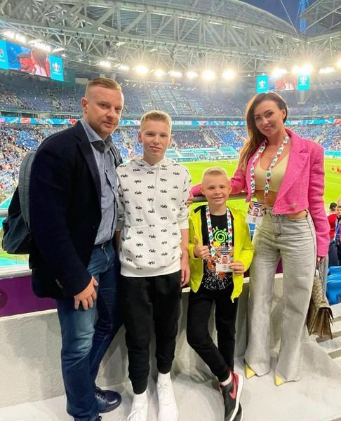 Екатерина приняла детей бывшего мужа и родила ему сына Алекса