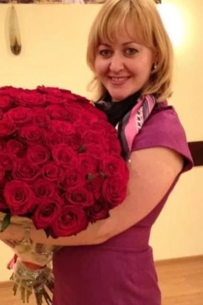 Пострадавшая в аварии Мария Артемова постепенно идет на поправку