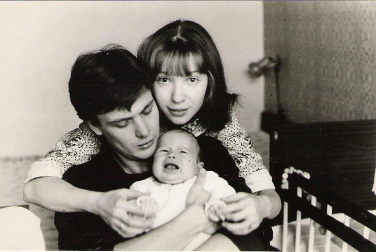 Дочка пары снялась в кино еще в младенчестве