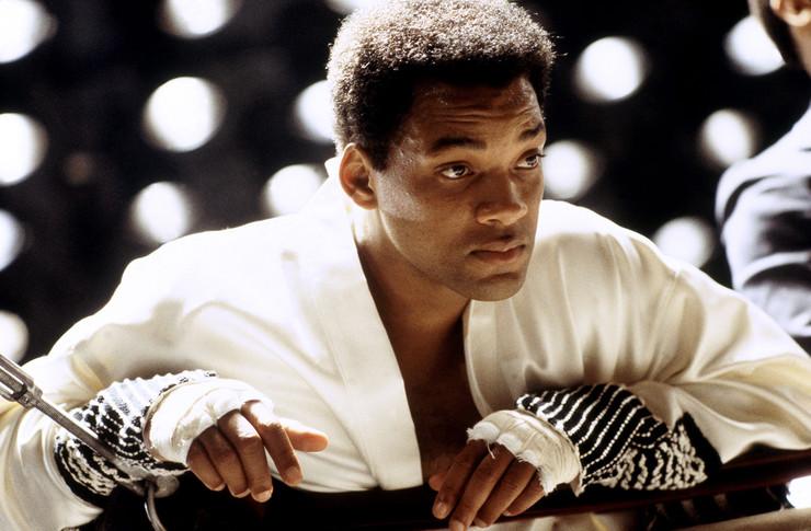 Ради роли в «Али» актер набрал мышечную массу, тренировался по шесть часов в день и даже отказался от интима на время съемок