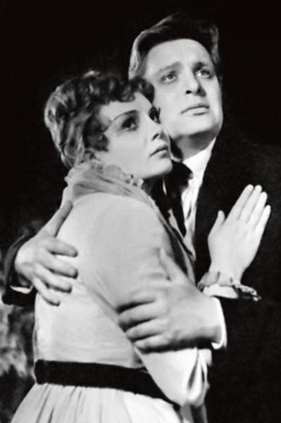 В театральных кругах ходили слухи, что актер завидовал более успешной жене