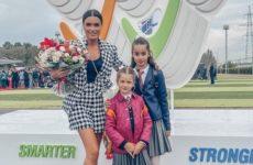 Бородина, Волочкова, Лазарев, Пересильд и другие звезды отвели детей в школу — фото