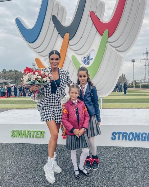 Ксения Бородина с дочками Марусей и Теоной