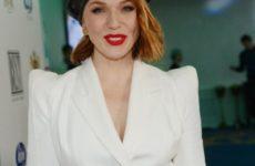 Альбина Джанабаева оправдалась за отсутствие на празднике свекрови