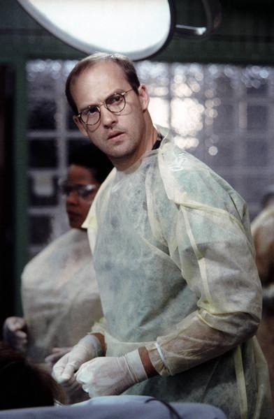 Марк Грин был старшим врачом приемного отделения