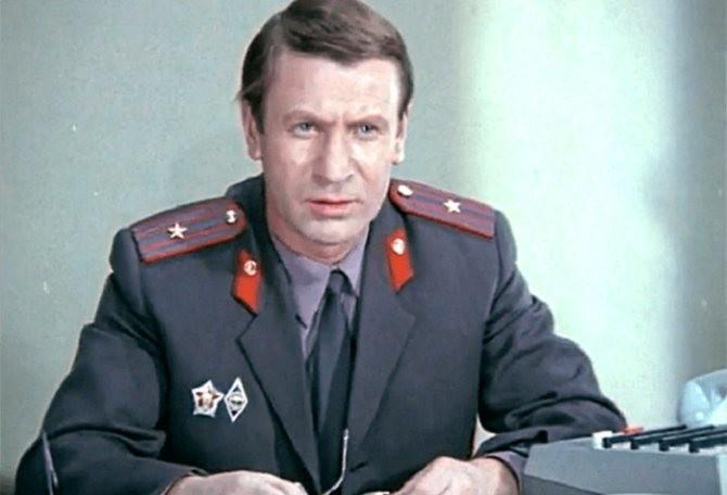 В «Сержанте милиции» майор Григорьев в исполнении Краско помог молодому офицеру раскрыть преступление