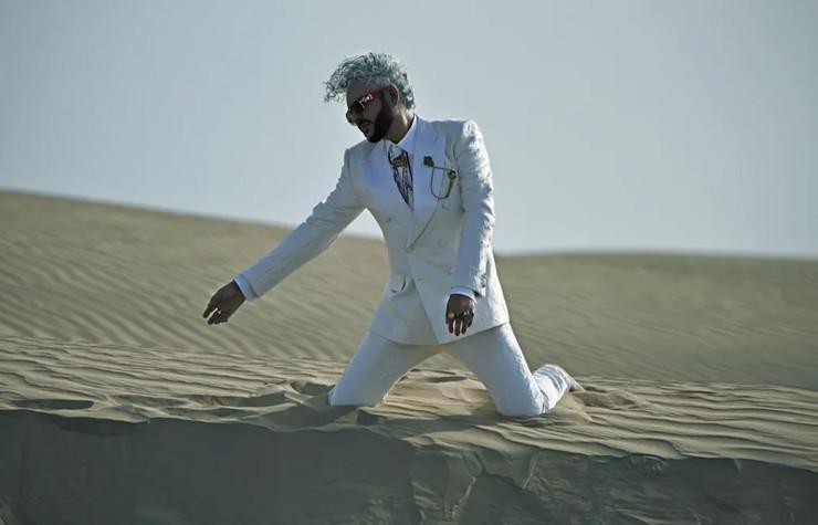 Часть съемок проходила в пустыне