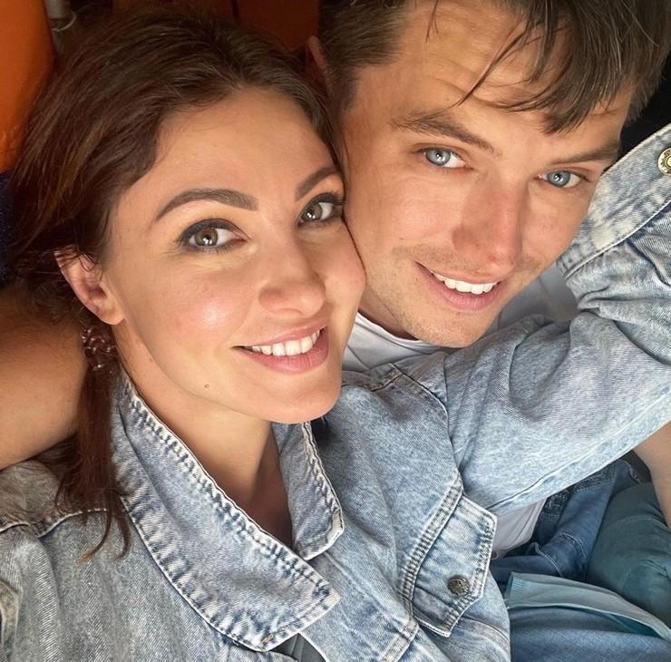 О госпитализации актрисы сообщил ее муж Роман