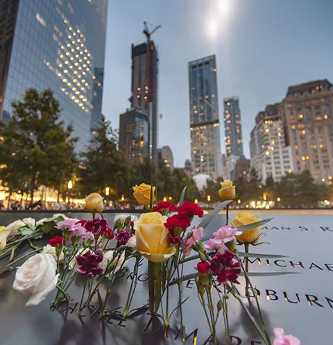 11 сентября 2001-го Всемирный торговый центр в Нью-Йорке превратился в руины