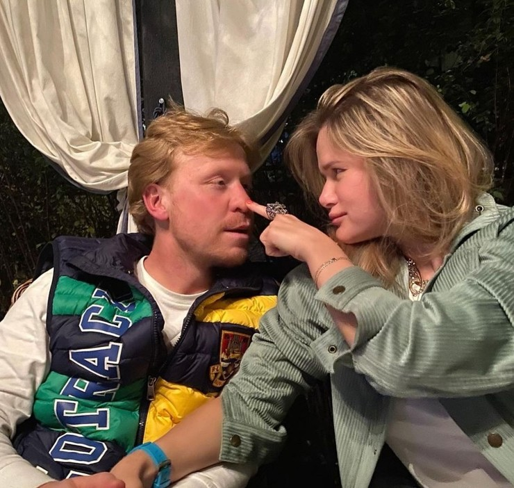 Актеру важно, чтобы женщина, с которой он состоит в отношениях, хорошо относилась к его сыну