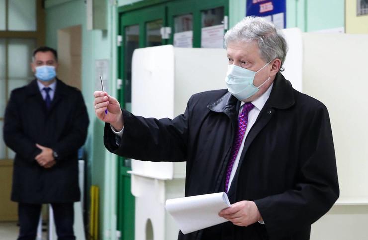 Явлинский попал в больницу после выборов