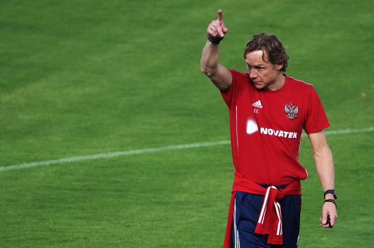 Валерий Карпин проводит второй матч на посту главного тренера сборной России