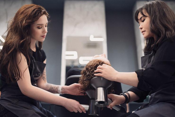 Стиль жизни: Рай для кудряшек: открылся новый салон бренда Ice Curly – фото №2