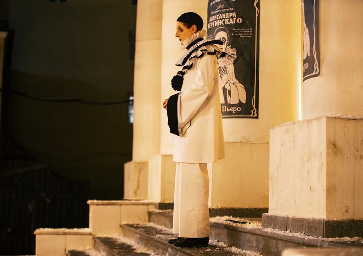Разумеется, огромное внимание было уделено костюму Пьеро, ведь именно с этим образом многие поклонники ассоциируют Вертинского