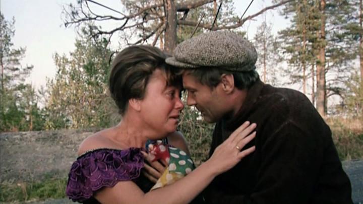 Нина Дорошина и Александр Михайлов в картине «Любовь и голуби»