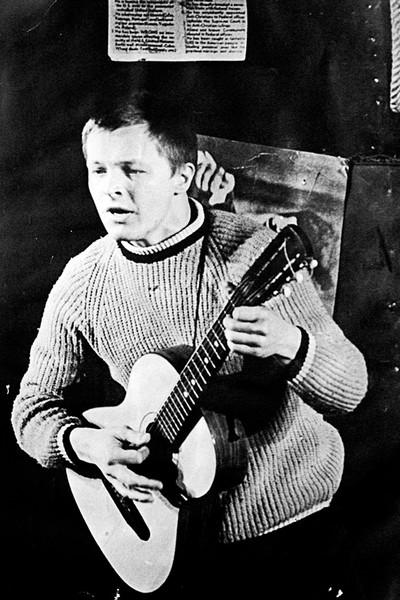 В юности Бориса больше интересовало творчество, чем семья