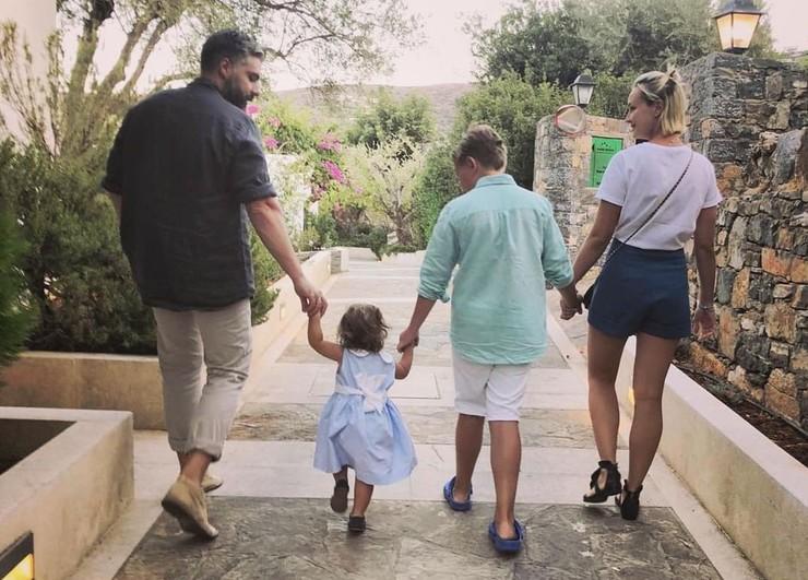 Исхаков надеется, что сможет беспрепятственно видеться с дочерью Мией